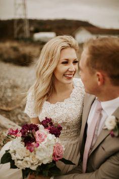 Photo Shoot, Wedding Photos, Poses, Couple Photos, Couples, Wedding Dresses, Ideas, Fashion, Photoshoot