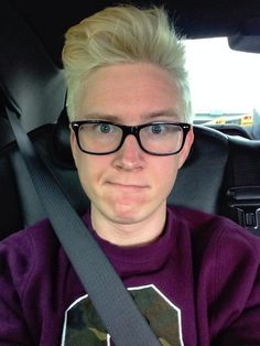 Tyler Oakley❤️ some day soon I will meet him and we will take cute selfies and I will cry because I love him so much! No one even understands how badly I wanna meet him