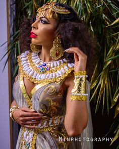 Big Brother Naija 2017 finalist Tokunbo Idowu popularly known as TBoss has revealed a completely different side of her in newe.