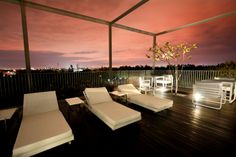 Rooftop Poolside  © Alila Hotels and Resorts
