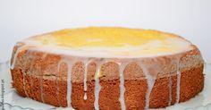 E uma massa tão fofa, mas tão fofa, quenão háfatia ao ser cortada que fique perfeita?! Este bolo é assim, mas também é muito saboroso...