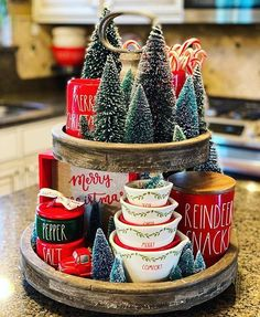 Gingerbread Christmas Decor, Dollar Tree Christmas, Decoration Christmas, Farmhouse Christmas Decor, Christmas Kitchen, Rustic Christmas, Xmas Decorations, Christmas Holidays, Christmas Crafts