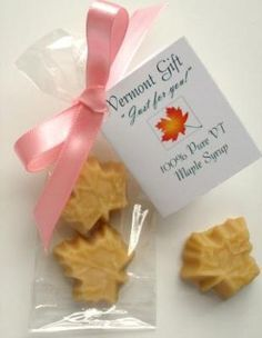 PIECES OF VERMONT offers leaf-shaped maple candy wedding favors that are available individually packaged with custom ribbon and tags for your Vermont wedding. Creative Wedding Favors, Inexpensive Wedding Favors, Edible Wedding Favors, Rustic Wedding Favors, Beach Wedding Favors, Personalized Wedding Favors, Wedding Favors For Guests, Wedding Candy, Bridal Shower Favors