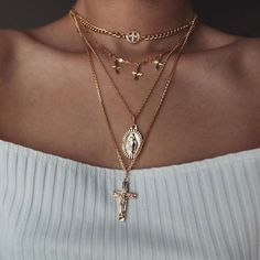 You love beautiful necklaces? You love beautiful necklaces? You love accesso . - You love beautiful necklaces? You love beautiful necklaces? You love accessories? Dainty Jewelry, Cute Jewelry, Body Jewelry, Jewelry Necklaces, Women Jewelry, Cross Necklaces, Silver Jewelry, Gemstone Jewelry, Silver Ring