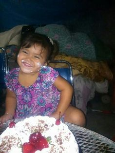 She is so adorable Neymar Jr, Sweets, Gummi Candy, Candy, Goodies, Treats, Deserts