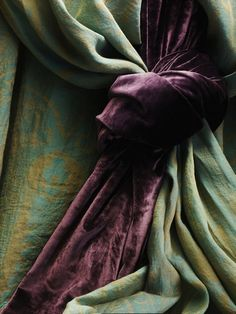 Aubergine and Green #Aubergine #Green #Colour #Color #Inspiration #Texture #Bathroom #Interior #Design