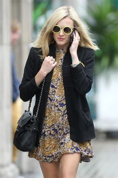 Fearne Cotton Print Dress - We love Fearne's silky print dress and funky shades she wore in London.