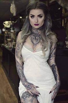 The beautiful Ryan Ashley Malarkey she's an amazing tattoo artist!!