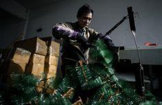 En China, la fábrica que abastece la navidad en el mundo