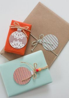DIY - Gift Wrapping Guide: 15 Ideas for Creative Homemade Tags Present Wrapping, Creative Gift Wrapping, Creative Gifts, Diy Xmas Wrapping, Wrapping Papers, Christmas Gift Wrapping, Christmas Tag, Christmas Balls, Christmas Presents