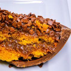 Ovo de bolo de cenoura com chocolate da Mari Gourmet (de R$ 54 a R$ 69)