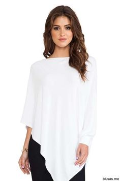 James & Joy Poncho Top in Weiß Moda Fashion, Girl Fashion, Fashion Outfits, Womens Fashion, Blouse Styles, Blouse Designs, Casual Chic, Casual Wear, Poncho Tops