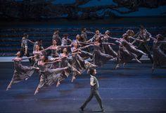 Zorba, el griego. Ballet de Santiago. Manolios: Agustín Cañulef. Foto: Patricio Melo