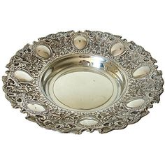 Pre-Owned Spanish Silver Tray (€420) ❤ liked on Polyvore featuring home, kitchen & dining, serveware, silver, leaf bowl, silver tray, silver serving tray, silver serving plate and silver serveware