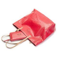 Bolso y billetera de cuero natural rojo personalizado con las iniciales del cliente
