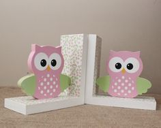 Cute owl book holders add charm to your woodland themed nursery or kids room decor. These cute owl b