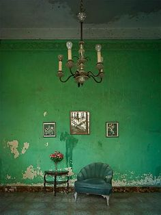 Michael Eastman, Green Interior, Havana, 2014