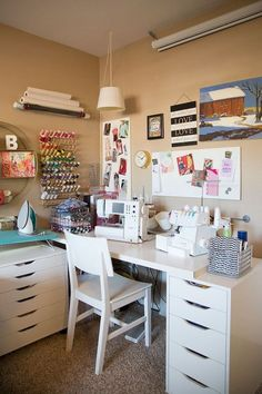 Tips for creating a sewing space in no space at all! How to be crafty without an actual craft room. : Tips for creating a sewing space in no space at all! How to be crafty without an actual craft room. Sewing Room Design, Sewing Room Storage, Craft Room Design, Sewing Room Organization, Craft Room Storage, Sewing Studio, Organization Ideas, Storage Ideas, Fabric Storage