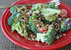 Broccoli salad with raisins, diabetic recipes, low carb recipes, vegetarian Broccoli Salad With Raisins, Brocolli Salad, Fresh Broccoli, Healthy Salad Recipes, Diabetic Recipes, Low Carb Recipes, Vegetarian Recipes, Food For A Crowd, Food Print