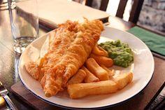 Fish and chips mushy peas sauce tartare  http://www.chezbeckyetliz.com/2010/01/fish-and-chips-sauce-tartare.html