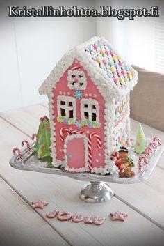 Laatu on paras resepti! Christmas World, Pink Christmas, Christmas Home, Christmas Ideas, Winter Magic, Glitter Houses, Princesas Disney, Gingerbread Houses, Christmas Decorations