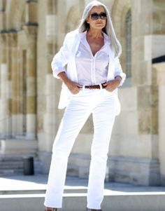Amazing 38 Stunning Summer Outfits for Women Over 40 Years Old http://inspinre.com/2018/02/26/38-stunning-summer-outfits-women-40-years-old/