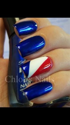 Try some of these designs and give your nails a quick makeover, gallery of unique nail art designs for any season. The best images and creative ideas for your nails. Chloe Nails, My Nails, Polish Nails, Pointy Nails, Nail Art Designs, Fingernail Designs, American Flag Nails, Patriotic Nails, 4th Of July Nails