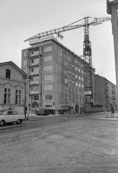 Rakenteilla Näsilinnankatu 42. Kuvattu: 21.03.1968.