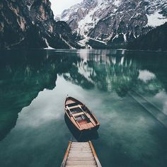 Be Visually Inspired! 📷 by: @bokehm0n #artofvisuals #aov #bevisuallyinspired! Location: Lago di Braies—————————————————————— New preset packs added to the store ever Tuesday from amazing artists within the community! —————————————————————— AOV Academy is now live, head over to www.aovacademy.com to sign up today! —————————————————————— 👉🏼Artofvisuals.com👈🏼