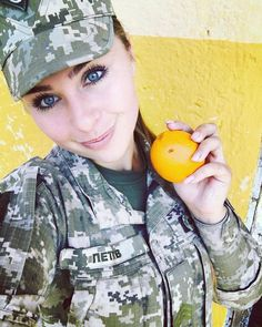 Who doesn't love a woman in battle dress? Here you'll find of the internets sexiest women camoed up & dressed to kill! Amazing Women, Beautiful Women, Army Girls, Battle Dress, Ukraine Women, Fitness Models, Female Fitness, Female Soldier, Military Women