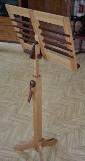 Cool Notenst nder aus Eiche und Mahagoni h henverstellbar Holzprojekt
