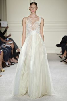 15 NYFW Looks Every Bride Needs to See - Style Me Pretty