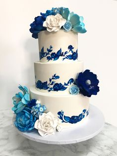 Porcelain Inspired Birthday Cake #SweetEsBakeShop #porcelain #porcelaincake