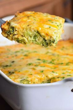 Comforting hash brown breakfast casserole that is perfect for a weekend and holiday brunch. This cheesy breakfast casserole is made with broccoli, onions, hash browns and extra cheese. Brocolli Casserole, Pork Casserole, Veggie Casserole, Hashbrown Breakfast Casserole, Brunch Casserole, Hash Brown Casserole, Casserole Dishes, Savory Breakfast, Breakfast Ideas