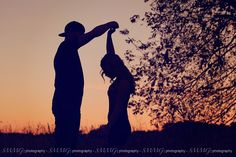 Top 5 Engagement Photography Tips For Wedding Couples - Fall photos - Country Recipes