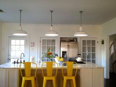 Elisabeth's Cure: What's Behind Door Numbers 1 & Apartment Door, Apartment Kitchen, Apartment Living, Cozy Kitchen, Kitchen And Bath, Kitchen Ideas, Door Numbers, Bedroom Red, Living Room Colors