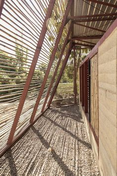 Bamboo Architecture, Vernacular Architecture, School Architecture, Architecture Design, Architecture People, African House, Bamboo House, Rammed Earth, Earth Homes