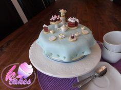 Mini Cakes, Cupcake Cakes, Cupcakes, Tea Time, Facebook, Table, Desserts, Food, Pies