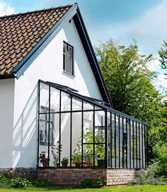 If one looks along the definition regarding a sunroom, it definitely inform you that it is a green-house. #Greenhouseideas