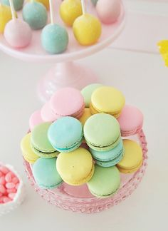 Pretty Pastel - Macarons and Cake Pops
