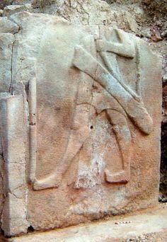 Hittite, The orthostat at the entrance in bıilding D in the Tepelerarası area (Süel-Süel) Erdinç Bakla archive)