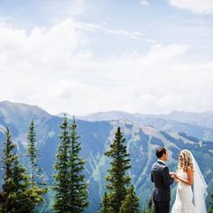 "WEDDING // Love, elevated ❤️ See more from this Aspen ""I Do"" on the blog now! // Photo: @gillespiephotog Dress: @moniquelhuillier Beauty: @fullcircleaspen Planner: @anaspenaffair Venue: @thelittlenell #destinationwedding #coloradowedding #mountainwedding #aspen"