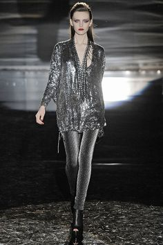 Gucci Fall 2009 Ready-to-Wear Fashion Show - Myf Shepherd
