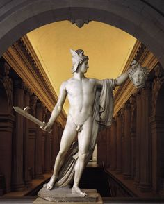 Antonio Canova (1804-1806) Perseus with the Head of Medusa