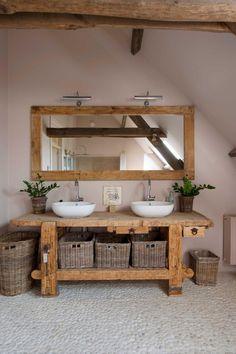 Holz Badezimmer Waschbecken Flusssteine, Wood bathroom sink river stones, – – This image. Rustic Bathroom Vanities, Boho Bathroom, Rustic Bathrooms, Diy Bathroom Decor, Bathroom Furniture, Bathroom Interior, Rustic Vanity, Bathroom Ideas, Rustic Furniture