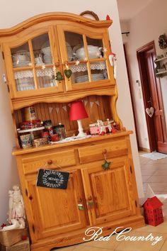RedCountry háza tája: Tálaló karácsonykor 2015 China Cabinet, Liquor Cabinet, Storage, Furniture, Home Decor, Purse Storage, Decoration Home, Chinese Cabinet, Room Decor