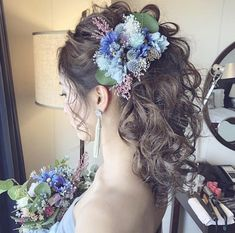 Flowers In Hair, Wedding Flowers, Cute Hairstyles, Wedding Hairstyles, White God, Hairdo Wedding, Barrette Clip, How To Iron Clothes, Black Veil