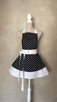 1950s Fashion – LUXURY APRON CHIC&Lovely BLACK DOTS – a unique product by CHICLovelygift on DaWanda   #barbie #luxus #luxury #apron #darček #weddinggifts #girl #cook #chiclovely #birthdaygift #princess #CustomApron #kitchen #cool #sexy #doots #retro #pinup #flowersapron #fertucha