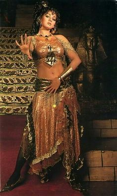 VK is the largest European social network with more than 100 million active users. Sridevi Hot, Most Beautiful Bollywood Actress, Indian Goddess, Vintage Bollywood, No Name, Beautiful Saree, Hottest Photos, Indian Beauty, Indian Outfits