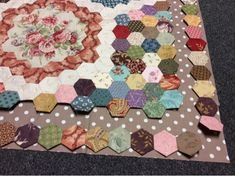 A blog to share applique and all things quilty. Phebe quilt Morell quilt Applique baltimore quilts Hexagons, stitching, antique quilts. Di Ford